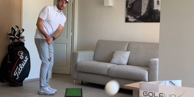 Il tente de démocratiser le golf avec des coups incroyables