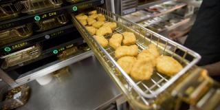 Aux États-Unis, un nugget McDonald's a été vendu... 100 000 dollars